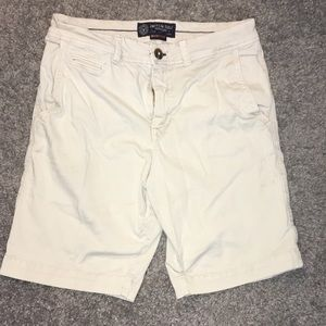 Size 30 American Eagle shorts